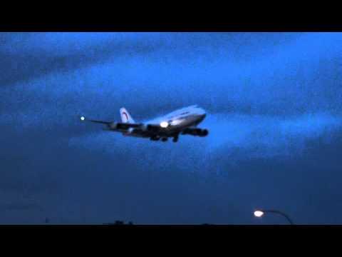 Royal Air Maroc B744 landing on 24R at YUL late evening