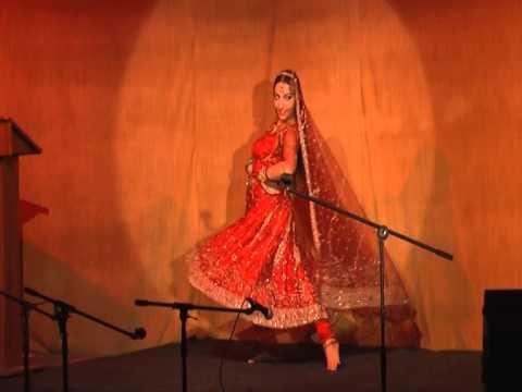 Mujhe Naulakha Mangwa De Re dance