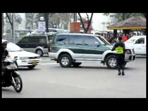 Filipino Traffic Cop Doing His Job Like A Boss