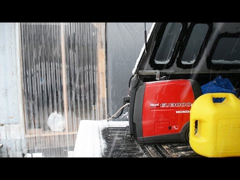 Running our Portable Generator in Cold Weather -  Honda EU3000i Handi