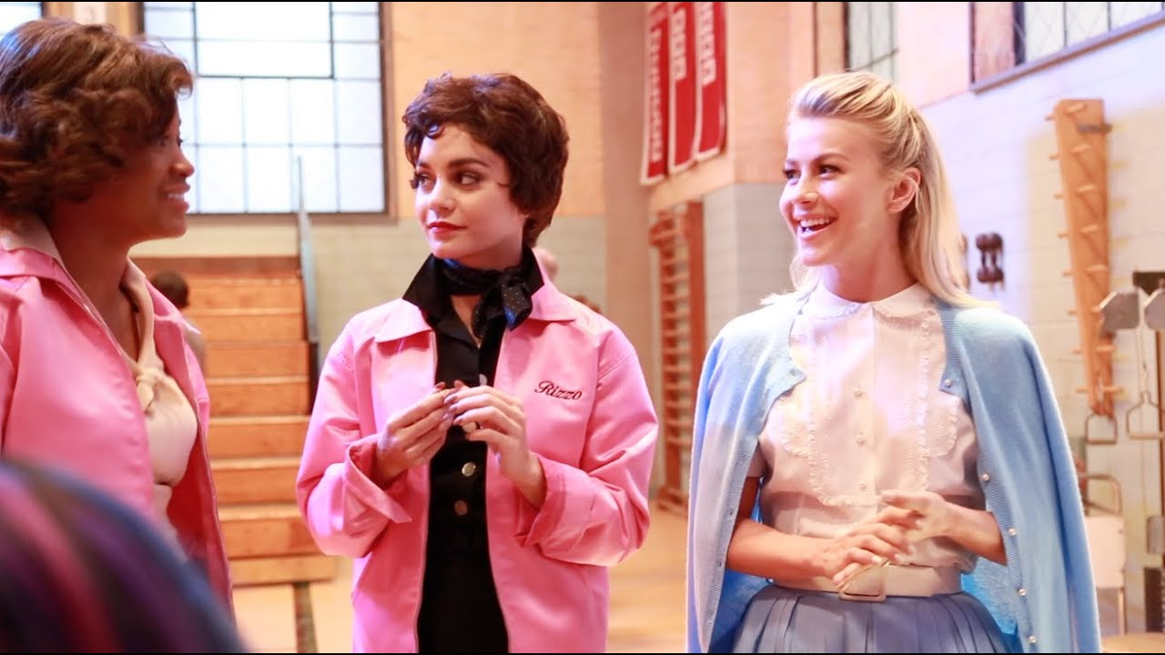 Amazoncom FunCostumes Authentic Grease Pink Ladies