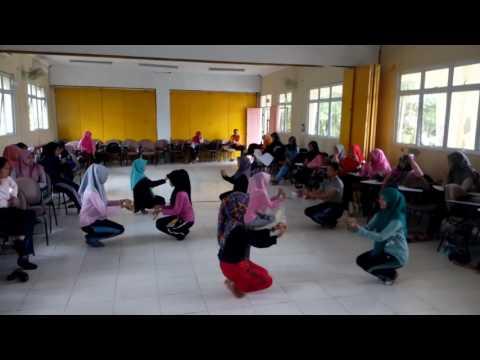 Tari Mak Inang Pulau kampai (practice)