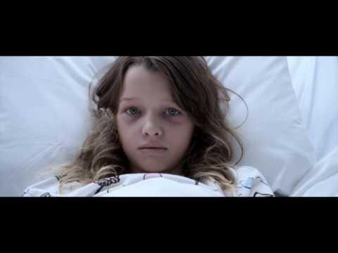 Сцена из фильма Обитель зла: Последняя глава - Как появился Т-Вирус и Красная Королева.