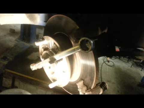 Как шлифовать тормозной диск своими руками 33