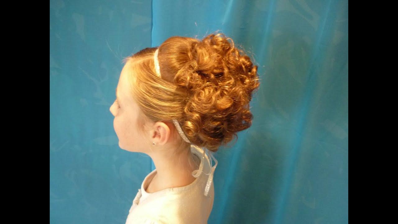 Причёска на длинные волосы для девочки на выпускной в детском