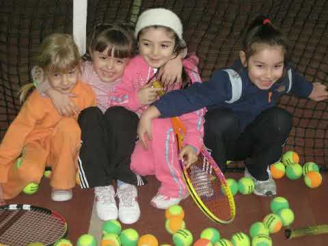 mini テニス match girls. 4-5 year old