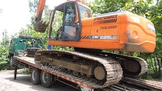 Fuso Self Loader Truck Heavy Trucking Transporting Excavators