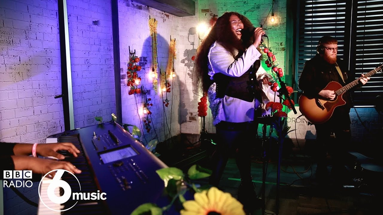 Lizzo - Good As Hell (6 Music Live Room session)