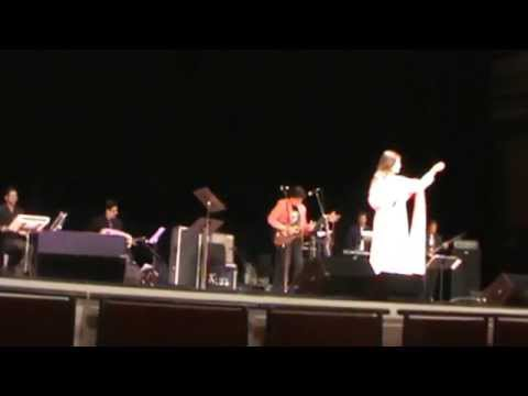 Alka Yagnik Live in Concert in Atlanta-Tum Aaye Toh Aaya Mujhe...