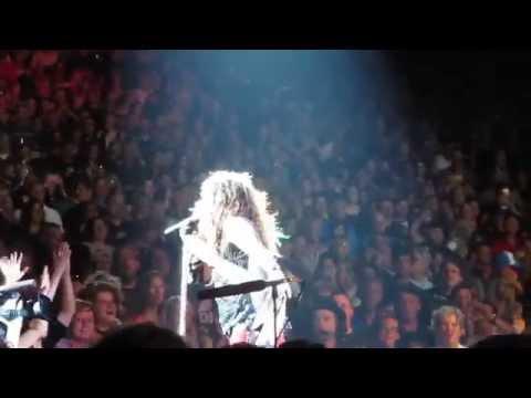 Aerosmith - Love in an Elevator (Live)