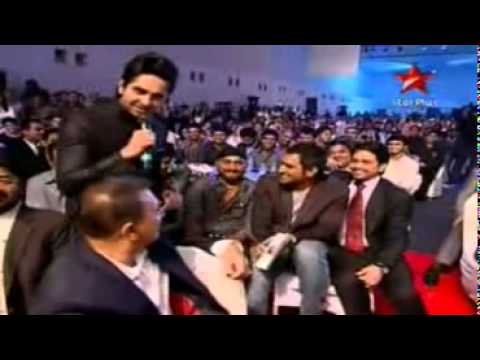 Funny Cricketers singing.mp4