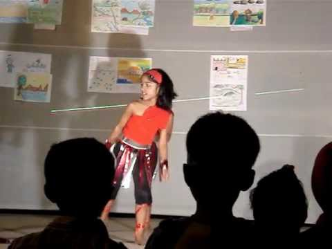Mera Naam chin chin chu dance by Preeta Puhan ( mamlu ).MPG