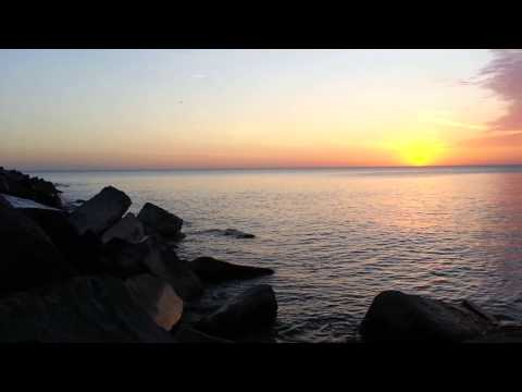 Breathtaking Chicago Sunrise on Lake Michigan HD