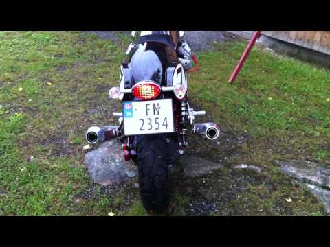Moto Guzzi V7 Racer with mistral exhaust