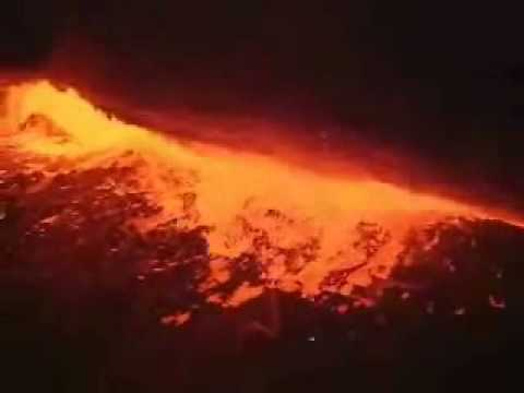 Kilauea Volcano Erupts - Dramatic Video Video