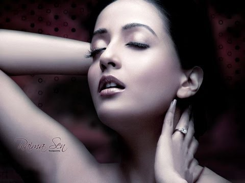 Hot Bollywood Actress - Raima Sen Spicy Collection