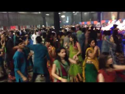 Atul Purohit Navratri Garba Usa 2013 video