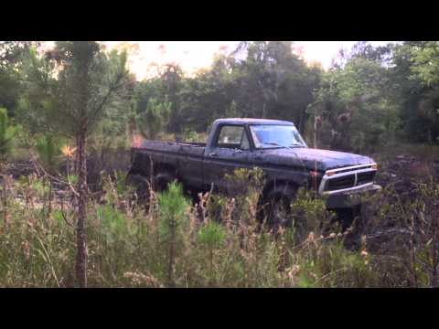 Mud run. 1977 Ford F-150. 351m. 4speed