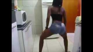 Mulher Gostoza Dançando  Casa das Vizinhas 'Os Tentadores' (BONDE DAS MARAVILHAS)