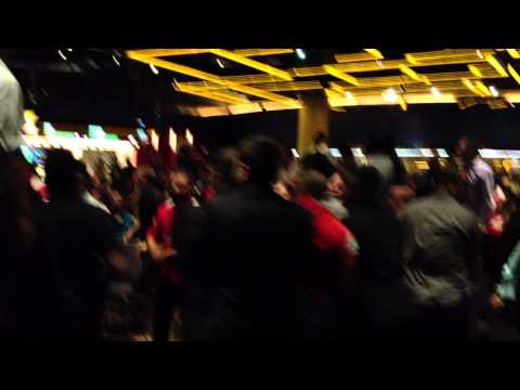 Arsenal 1 - 0 Manchester City, Arsenal fans fight with Security at Sydney Casino