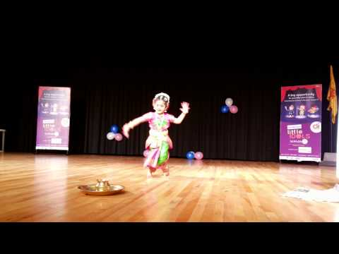 Akshara 3 Yrs Baby Kuchipudi Dance On Bronze Plate For Gananayakaya Ganeshaya Dheemahi video