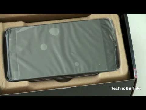 Dell Streak Unboxing: Phone/Tablet Hybrid