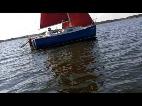 Sailing a Montgomery 17