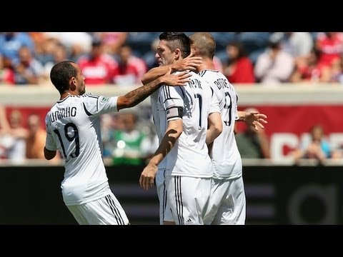 Robbie Keane scores 2, nearly has hat trick for LA Galaxy vs Chicago Fire