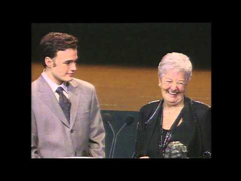 Berlanga recoge el Goya a Mejor Actor de Reparto de Juan Diego (2000)