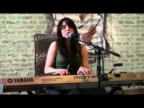 Shannon Hurley - Don't December (Live @ KGRL FPA, 2011)
