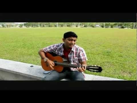 En Vaanil Neenthum song