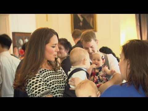 Prince George and the Duchess of Cambridge meet New Zealand babies at playgroup