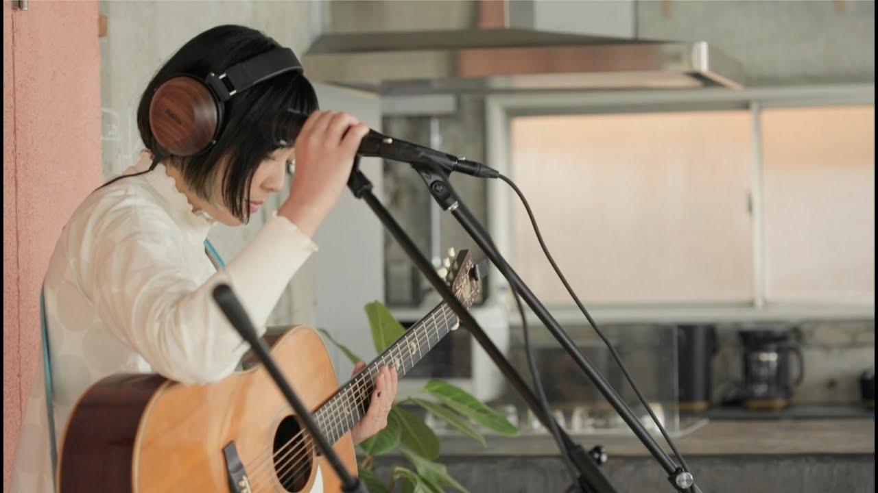 """岩崎愛 (Ai Iwasaki) - ルーパー使用多重録音演奏による""""Finally""""アコースティック・ライブ映像を公開 thm Music info Clip"""