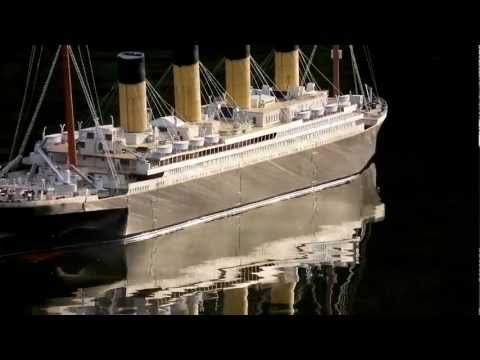Schreiber-Bogen model of the famous RMS Titanic in 1:200, ship's history and a seaworthy paper model.