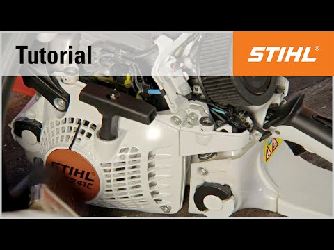 Cleaning the air filter. cylinder fins and air intake slits of a STIHL chainsaw (HD2 filter)