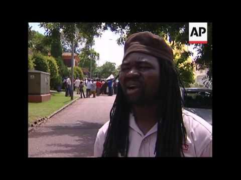 Anti-Mugabe demo in front of Zim embassy