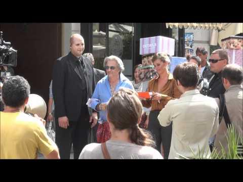 Spot Wind con Naomo – Panariello e la Incontrada in Corso Como
