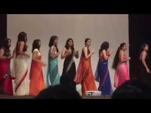 Sexy Girls Dance In Delhi School video