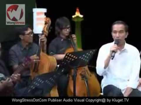Jokowi Pertama Kali Jokowi Nyanyi Lagu Betawi Lucu Banget !! video