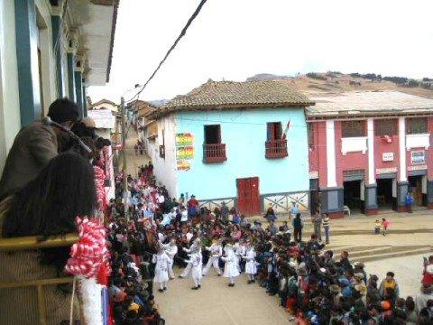 Fotograf�as de las Danzas del Folclor Llatino. Llata, Huamal�es, Hu�nuco.