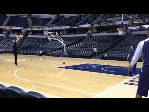 Pat McAfee shoots with Paul George at Pacers practice