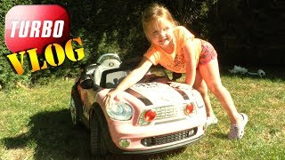 [VLOG] Réparation et lavage d'une voiture par un enfant Kid Car Wash and Repair Turbo !