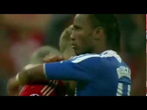 Drogba Hugs Robben