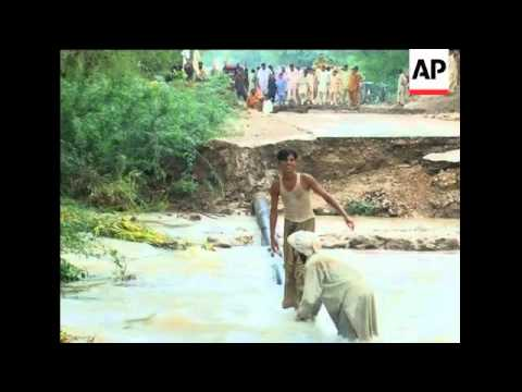 Evacuations in Sindh; flood pix from Punjab; ICRC in DI Khan