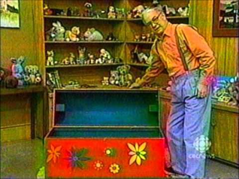 mr Dressup Drawing a Tribute to mr Dressup Ernie