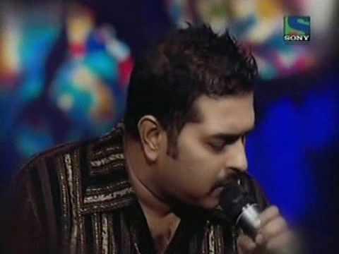 Shankar Mahadevan Singing Bol na halke halke live