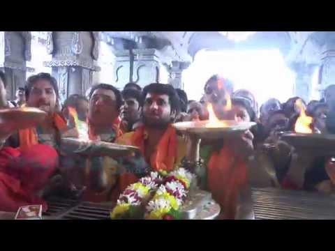 Salam Pune Dagdusheth Ganpati Mahapuja Maha Aarti 01  2014 video