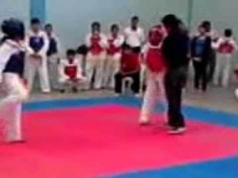 Combates 2 Torneo Univeristario.mp4 video