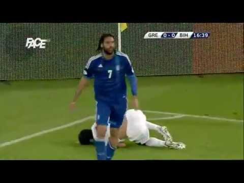 Georgios Samaras Zuti Karton - Emir Spahic -Edin Dzeko -Grčka - Bosna i Hercegovina