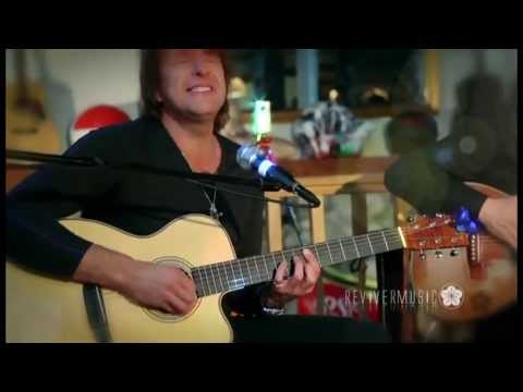 Richie Sambora, Tommy Emmanuel & Laurence Juber - Livin' On A Prayer (Guitar Master Class 2012)